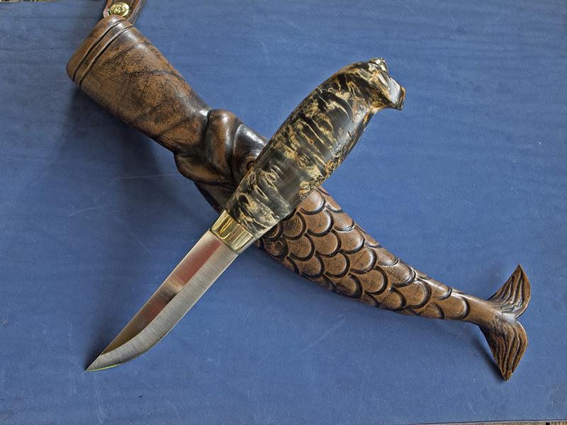 Финский нож. Ножны кожа Рукоять карельская береза, тонирована, покрыта