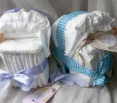 Для новорожденных - Колясочка из памперсов с тэгом