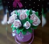 Элементы интерьера - букет роз в шляпной коробке
