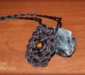 Кулоны, подвески - Плетеный кулон с натуральным камнем