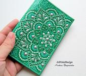 Обложки для паспорта - Обложка на паспорт с мандалами, зеленая