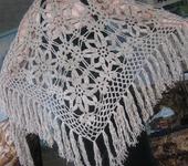 Шали, платки, палантины - Ажурная шаль с кистями