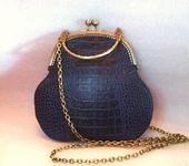 Сумки, рюкзаки - Сумка синяя кожаная с ручкой и цепочкой