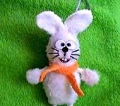 Зверята - Елочная игрушка зайчик