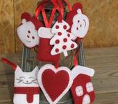 Другие куклы - Набор подвесок из фетра на елку или для украшения дома.
