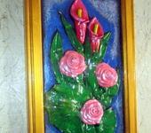 """Панно - """" Розы и калы """" настенное объёмное панно."""