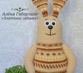 Вязаные куклы - Игрушка вязаная крючком жаккардовый заяц Мохан