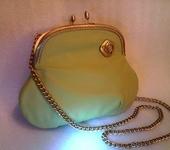 Сумки, рюкзаки - Сумка кожаная светло-оливковая на цепочке