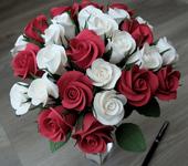 Цветы - Букет красных и белых бутонов роз из японской полимерной глины