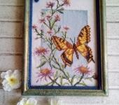 """Вышитые картины - Картина вышитая крестом """"Бабочка и чертополох"""""""