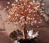 Оригинальные подарки - Жемчужное дерево из меди на кованой подставке №1
