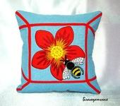 Подушки, одеяла, покрывала - Подушка с вышивкой Пчела