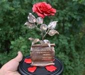 Оригинальные подарки - Красная кованая роза в стеклянной колбе