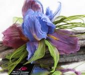 Броши - Цветы из ткани. Брошь цветок Ирис «Волшебный»