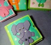 Развивающие игрушки - Книжка из фетра и ткани