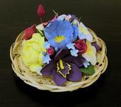 Оригинальные подарки - Соломенная тарелочка с тропическими цветами ручной работы из полимерной глины