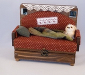 Шкатулки и копилки - Шкатулка-диван с зеркальцами