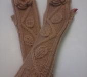 Варежки, митенки, перчатки - Митенки длинные Розы, бежевые