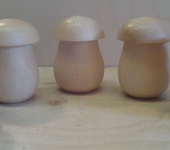Декоративная посуда - деревянная перечница или солонка в форме гриба