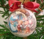 """Оригинальные подарки - Новогодний шарик """"Сказка Три поросёнка"""""""