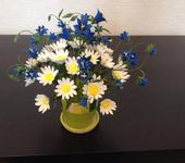 Цветы - Букет в керамическом горшочке с ромашками и колокольчиками из полимерной глины