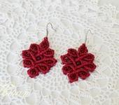 Серьги - Небольшие серьги макраме. Красный цветок.