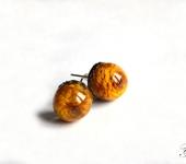 """Серьги - Серьги-гвоздики из ювелирной смолы """"Желтый бутон"""""""