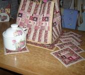 Предметы для кухни - Грелка для чайника и набор салфеток под чашки