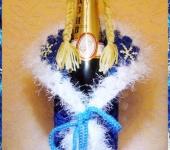 """Оригинальные подарки - Вязаный чехол на бутылку шампанского """"Снегурочка"""""""
