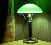 Светильники, люстры - Настольная лампа с зеленым плафоном